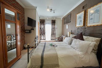 84 On Fourth Guest House Tel:+27 (0)11 482 2725