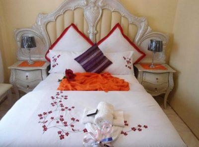 Second World Bed and Breakfast Tel:(039) 255 0055