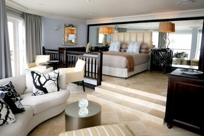 The Beverly Hills Hotel, Umhlanga Tel: (031) 561 2211