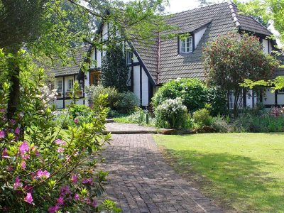 MILLGATE COTTAGE  TEL: +27 (0)83 289 7696